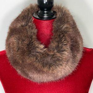 Linda Lundstrom Cañada Infinity Fur Scarf